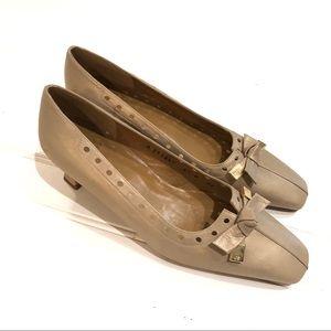 STUART WEITZMAN NWT Perfect Pump Kitten Heel Shoes